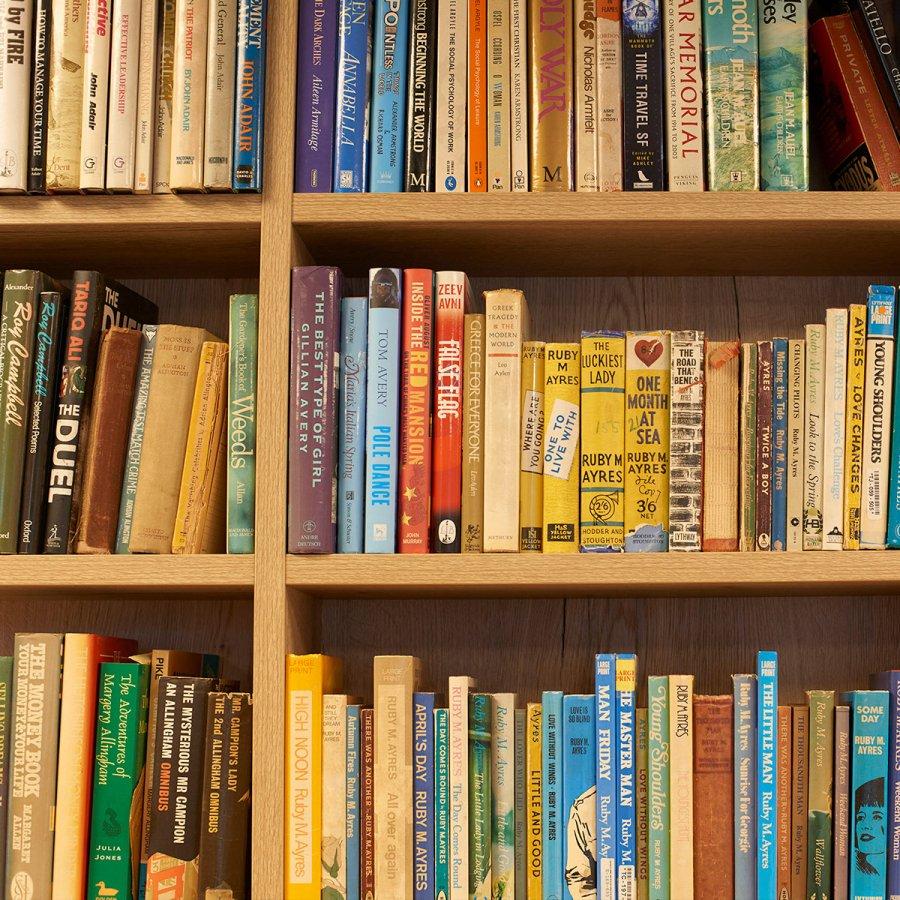 Books_01_FULLSIZE