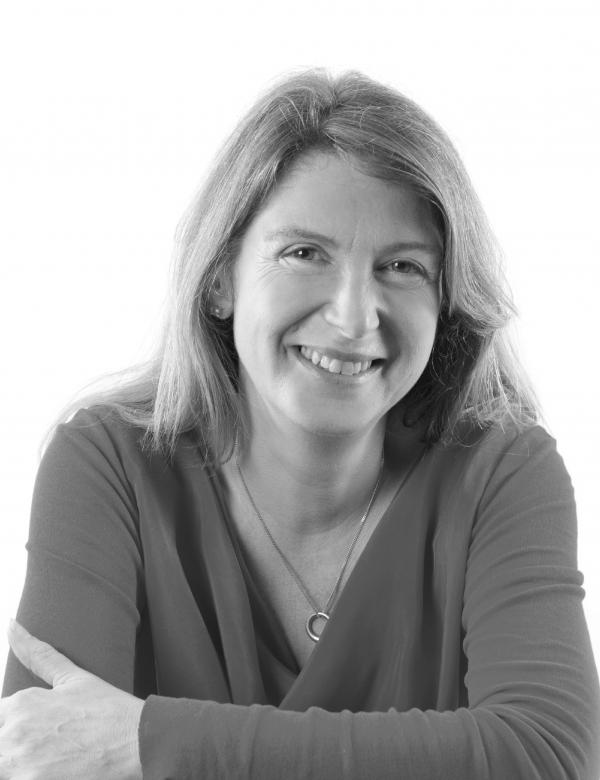 Marianne Holmes