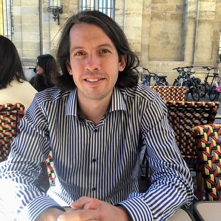 Dr Levi Roach