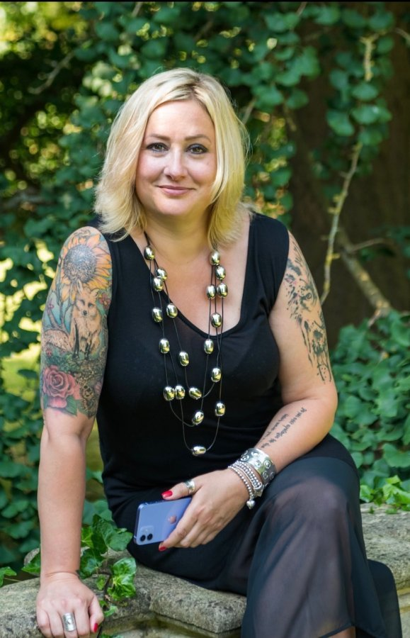 Becky Holmes